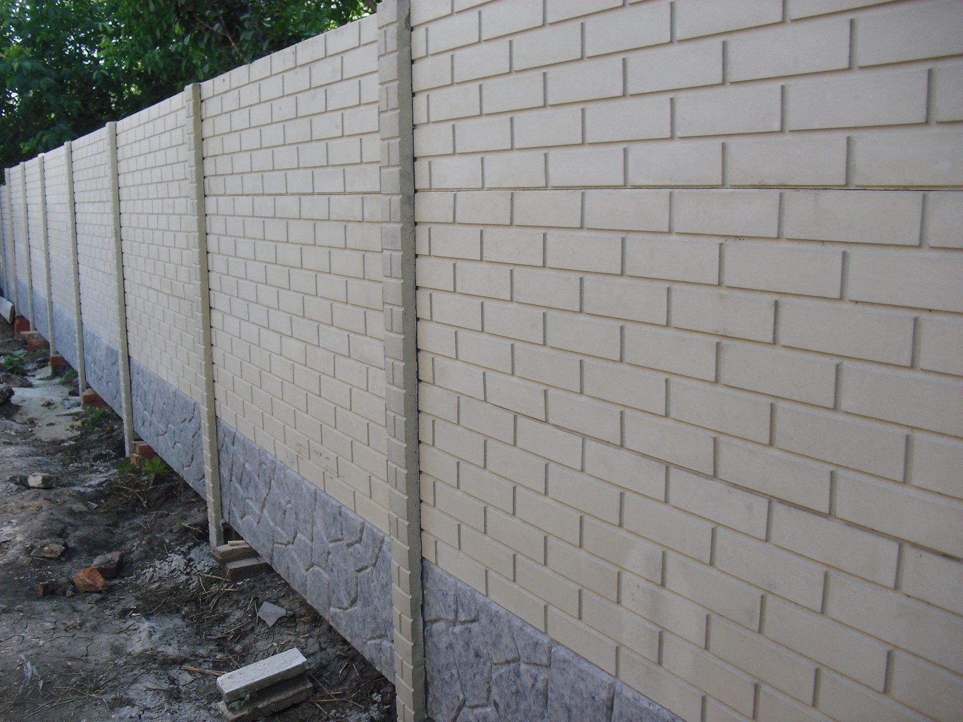 Глянцевые бетонные заборы с установкой в Запорожье и обл